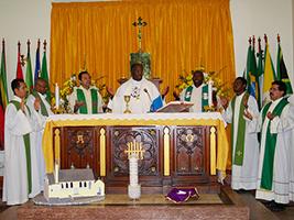 Archbishop Jabulani celebrates Mass